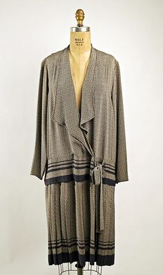 Dress Date: ca. 1926 Culture: American Medium: silk Accession Number: 1978.281.3