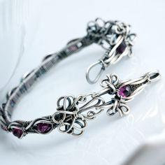 Lora Fine Silver Garnet Tennis Bracelet by sarahndippity on Etsy, $260.00 Bracelet Fil, Garnet Bracelet, Diy Jewelry, Women Jewelry, Beaded Jewelry, Gold Jewelry, Jewelry Rings, Wire Wrapping, Wire Bracelets