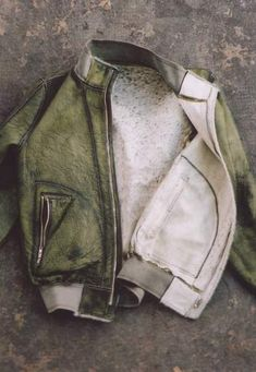 OBJECT DYED REVERSIBLE PATENT HORSE LEATHER FUR BOMBER MALE - FW 2006-07