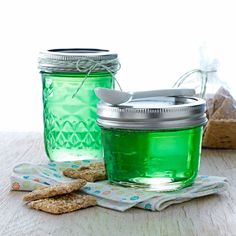 Rosemary Jelly Recipe -This deliciously different green jelly gets its flavor from an unusual source: savory rosemary. The herb adds a refreshing zip to the otherwise sweet spread. Jelly Recipes, Jam Recipes, Canning Recipes, Curry Recipes, Cooker Recipes, Chutneys, Rosemary Jelly Recipe, Rosemary Recipes, Food Storage