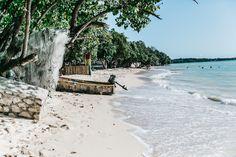 Belmont Beach, una playa local en la región de Saint Elisabeth   Jamaica