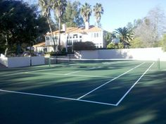 Beautiful private tennis court