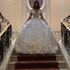 White Princess Dress, Princess Dresses, Flower Girl Dresses, Wedding Bride, Diy Wedding, Wedding Dress Silhouette, Haute Couture Dresses, Cosplay Dress, Fashion Videos