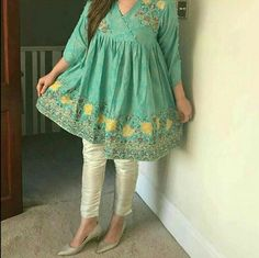 Stylish Dresses For Girls, Stylish Dress Designs, Frocks For Girls, Designs For Dresses, Casual Dresses, Simple Dresses, Casual Wear, Casual Outfits, Formal Dresses