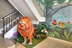 Lion King Resort - Disneyland close - vacation rental in Anaheim, California. View more: #AnaheimCaliforniaVacationRentals