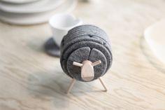 Sheepad coaster holder - via Coco Lapine