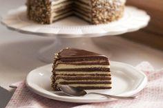 Te explicamos paso a paso, de manera sencilla, la elaboración de la receta de Baumkuchen o pastel rayado. Ingredientes, tiempo de elaboración