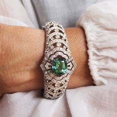 They may come in all colours of the rainbow, but watch our latest video on thejewelleryeditor.com to find out why the tourmalines in Louis Vuitton's new Conquêtes high jewellery collection are among the best in the world.  •  @louisvuitton #louisvuitton #tourmaline #diamond #jewelry #jewellery #highjewelry