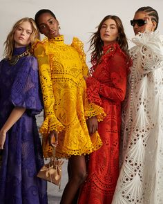 Obsessed with these . 💙💛❤️💜Obsessed with these . Daily Fashion, Fashion Art, Spring Fashion, Fashion Outfits, Street Fashion, Fashion Brands, Spring Dresses Casual, Haute Couture Dresses, Luxury Dress