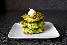 zucchini fritters from smittenkitchen (VERY good! this recipe will go into our home-collection.... made the dip too and fried eggs in addition - my kids loved them!)