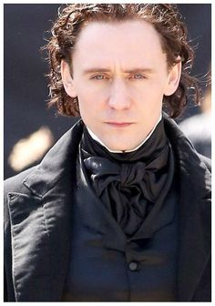 Tom Hiddleston films scenes for the new horror movie 'Crimson Peak' in Toronto on April 17, 2014. His eyes are mesmerising...❤️❤️❤️