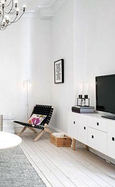 Via NordicDays.nl | White Alvhem Home | Black and White