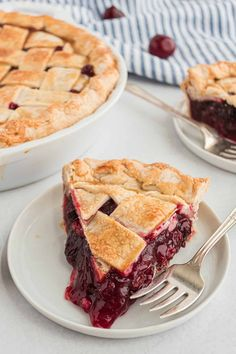 Cherry Hand Pies, Homemade Cherry Pies, Homemade Pie, Best Dessert Recipes, Sweets Recipes, Pie Recipes, Fun Desserts, Old Fashioned Cherry Pie Recipe, Old Fashioned Cherries