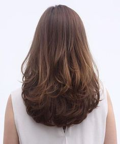 Flipped Out Straight Hair - 30 Best Hairstyles for Long Straight Hair 2019 - The Trending Hairstyle Haircuts Straight Hair, Bun Hairstyles For Long Hair, Face Shape Hairstyles, Pretty Hairstyles, Medium Hair Styles, Short Hair Styles, Curls For Long Hair, Long Layered Hair, Stylish Hair