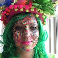 makeup colorful – Hair and beauty tips, tricks and tutorials Maquillaje Halloween, Halloween Makeup, Halloween Face, Face Painting Designs, Body Painting, Natural Hair Tips, Natural Hair Styles, Media Makeup, Human Body Art
