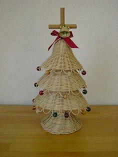 Straw Weaving, Paper Weaving, Basket Weaving, Rattan, Wicker, Caribbean Christmas, Christmas Baskets, Xmas, Christmas Tree