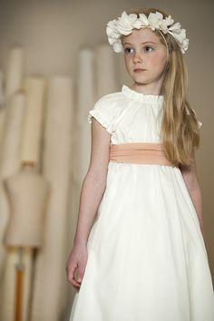 Fashion Dresses For Toddlers Cute Dresses, Flower Girl Dresses, Girls Hairdos, Girl Fashion, Fashion Dresses, Fashion Bags, Holy Communion Dresses, Baptism Dress, Fashion Wallpaper