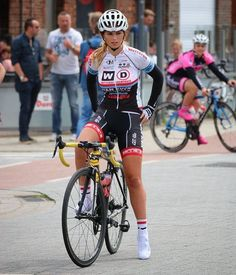 Cycling Chicks : Photo                                                                                                                                                      More
