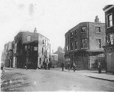This old photo shows the area where Evelyn Street on the left (out of view) crossed the end of Deptford High St to meet Wellington St (Flagons Row) on the right. Center, slightly right shows the entrance into Old King St which went into Watergate St at the far end. To the left we can see New King St. All this area was demolished to make way for Evelyn St to join up with Creek Road.