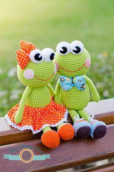 Poesy&Pascal by ItsyBitsyAmi, amigurumi crochet frogs toys