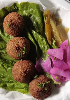 Restaurant Review: Casual, low-key Happy Falafel focuses on food over fussy presentation