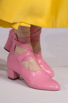Cheap And Easy Tricks: Prom Shoes 3 Inch shoes quotes website.Slip On Shoes Work. Trendy Shoes, Casual Shoes, Formal Shoes, Couple Shoes, Shoes Rose Gold, Sock Shoes, Shoe Boots, Latest Shoe Trends, Prom Shoes