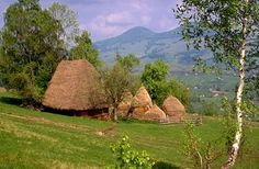 Romania - landscape www. Places To Travel, Places To See, Site History, Mountain Pictures, Unusual Buildings, Bucharest Romania, Gone Fishing, Countries Of The World, Beautiful Landscapes