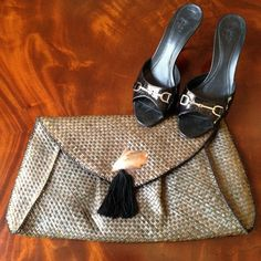 HOST PICK Beautiful woven clutch This beautiful woven clutch with seashell and tassel detail is perfect for any occasion. No rips or tears. This clutch is begging to be used! Bags Clutches & Wristlets