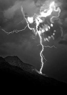 lightning death from above skull Tattoos Familie, Totenkopf Tattoos, Skull Pictures, Creepy Pictures, Bild Tattoos, Skull Wallpaper, Skulls And Roses, Skull Tattoos, Gothic Art