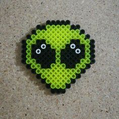 Cute li'l allien face Cute li'l allien face Melty Bead Patterns, Pearler Bead Patterns, Perler Patterns, Beading Patterns, Peyote Patterns, Loom Patterns, Quilt Patterns, Perler Bead Templates, Diy Perler Beads