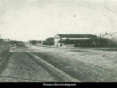 Houston Street looking west in this undated photo (i'm guessing late 19th century)