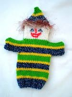 Musings of the Puppet Lady: Clown puppet knitting pattern Crafts To Do, Hobbies And Crafts, Mermaid Purse, Glove Puppets, Knitting Patterns, Crochet Patterns, Operation Christmas Child, Knitted Animals, Yarn Bombing