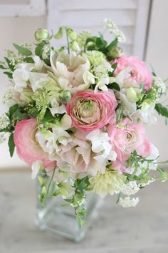 Flower Arrangement in Soft Pastel Pink / White / Green Summer Flowers, Pink Flowers, Beautiful Flowers, Pink Flower Arrangements, Floral Bouquets, Belle Plante, Table Flowers, Bridal Flowers, Flower Seeds
