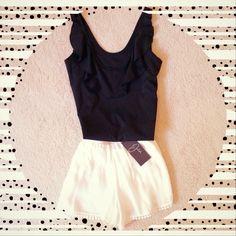Jaleh 'Layla Flounce Top' + 'LuLu Pom Pom Shorts' = Summer Style Perfection! jalehclothing.com   #madeinusa   #ootd