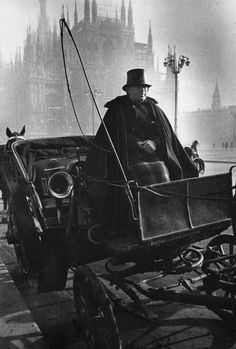 "liquidnight: "" Alfred Eisenstaedt - A horse-drawn carriage waits for a fare near La Scala, Milan, 1934 In the background is the Duomo (Cathedral of Santa Maria del Fiore) From Eisenstaedt:. Old Photography, Street Photography, Antique Photos, Vintage Photos, Foto Vintage, Old Pictures, Old Photos, Leica, Or Noir"