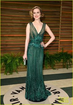 Evan Rachel Wood Beaded Dress - Evan Rachel Wood went for Gatsby glamour in a beaded green gown by Elie Saab during the Vanity Fair Oscar party. Evan Rachel Wood, Robes Elie Saab, Elie Saab Haute Couture, Evening Dresses, Prom Dresses, Oscar Dresses, Oscar Fashion, Flapper Fashion, Fashion 2014