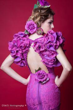 Trabajo para SIMOF Sevilla Photography; Alicia Nieto Velazquez (70&7) Photography MUAH; Pedro Gonzalez Mode; Angela Cristina Doble Erre Design; Loli Vera