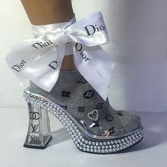 Discovered by dior gurl. Find images and videos about fashion, dior and designer on We Heart It - the app to get lost in what you love. Sock Shoes, Cute Shoes, Me Too Shoes, Shoe Boots, Trendy Shoes, Crazy Shoes, Fashion Mode, Fashion Shoes, Fashion Trends