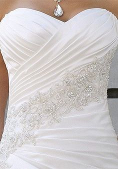 Gorgeous dimple bodice on this wedding dress