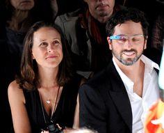 Al ponerse sus gafas Google, lo vio claro, y se divorció!  Cuidado con estas Gafas! Jajaja