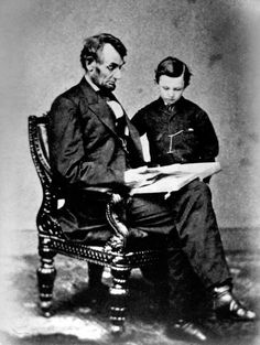 Abe Lincoln and his son Tad. Abraham Lincoln lost 2 sons Edward 4 in 1850 William 11 in 1862 ~ How tragic.....