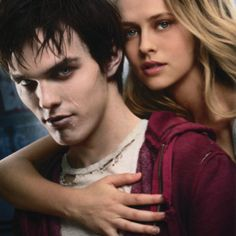 Warm Bodies is a 2013 American paranormal romantic zombie comedy film based on Isaac Marion's novel of the same name. Directed and written by Jonathan Levine, the film stars Nicholas Hoult and Teresa Palmer. Nicholas Hoult, John Malkovich, Love Movie, Movie Tv, Movie Shelf, 2012 Movie, Movie Photo, Movies Showing, Movies And Tv Shows