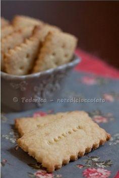 Biscotti al marzapane e cocco
