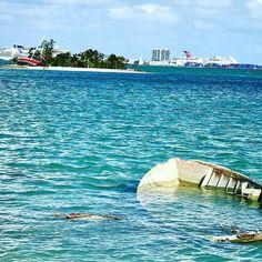 La huella de #irma. Porque recordar los malos momentos es el mejor remedio para prevenir o al menos estar preparados para futuros desastres y mejorar. #huracan #aprender #recuerdos #miami #cuba #puertorico #neworleans #iphone7plus #fotografia #playa #beach #florida #azul #turquesa #mar #sea #isla #keybiscayne