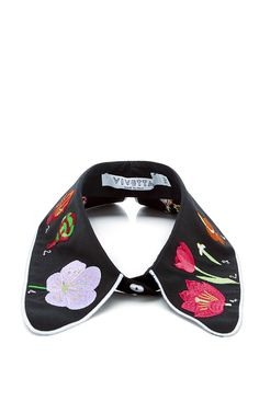 This black cotton Vivetta collar features a rounded point with allover floral embroidery and white trim.Back button100% cottonUnlinedMade in Italy