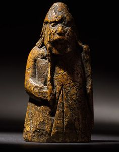 Long-lost Lewis Chessman found in Edinburgh family's drawer - BBC News