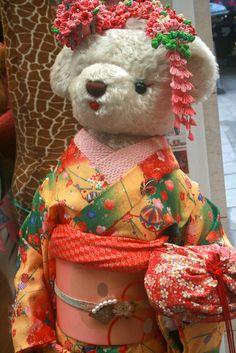 Kyoto Kimono Bear © Alessandra Zecchini