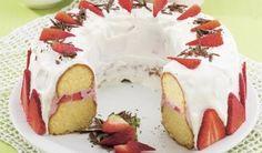 Ohromný zákusok pre všetkých maškrtníkov: Keď ho raz ochutnáte, iný už chcieť nebudete Czech Recipes, Pavlova, Ale, Waffles, Berries, Strawberry, Pudding, Cupcakes, Sweets