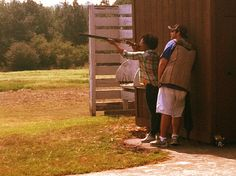 Stories like this one are what people need to read about guns and shooting. And her 5 lessons at the end are true for both skeet shooting and life. Waterfowl Hunting, Hunting Gear, Skeet Shooting, Hunting Supplies, 5 Things, Shotgun, Country Girls, Guns, Training