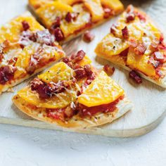 Squash and Bacon Pita Pizzas Curry Pork Chops, Spaghetti Squash Soup, Squash Fries, Pain Pita, Bacon, Pita Pizzas, Cake Toppings, Sweet And Spicy, What To Cook